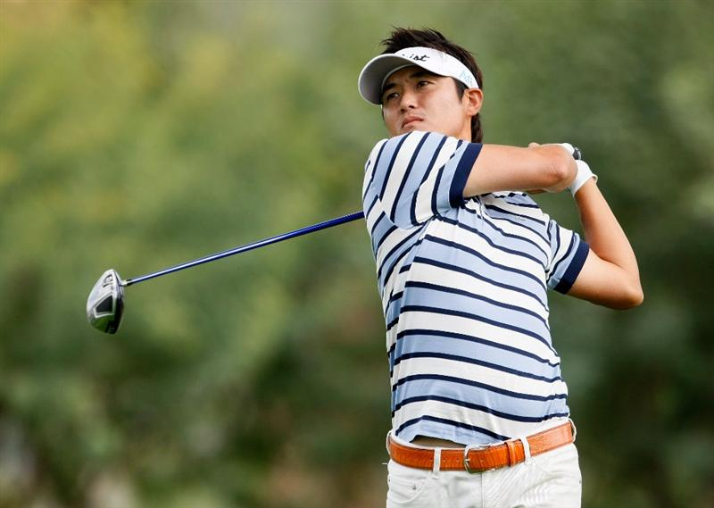 LA QUINTA, CA - JANUARY 23:  Ryuji Imada of Japan hits a tee shot on the 14th hole during the third round of the Bob Hope Chrysler Classic at the Bermuda Dunes Country Club on January 23, 2009 in La Quinta, California.  (Photo by Jeff Gross/Getty Images)