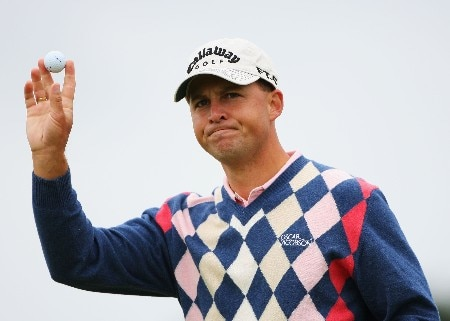 CARNOUSTIE, UNITED KINGDOM - JULY 20:  Niclas Fasth of Sweden waves to the gallery on the eighth green during the second round of The 136th Open Championship at the Carnoustie Golf Club on July 20, 2007 in Carnoustie, Scotland.  (Photo by Andrew Redington/Getty Images)