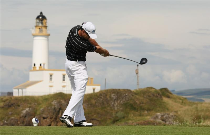 TURNBERRY, SCOTLAND - JULY 16:  Zach Johnson of USA tees off on the 9th hole during round one of the 138th Open Championship on the Ailsa Course, Turnberry Golf Club on July 16, 2009 in Turnberry, Scotland.  (Photo by Ross Kinnaird/Getty Images)