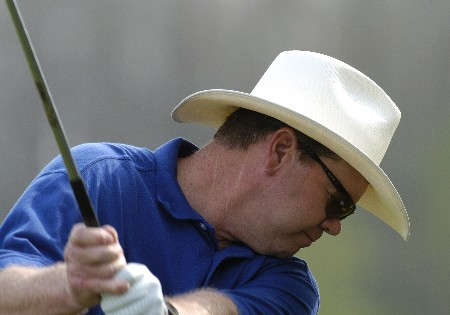 Mike Sullivan practices after  the 2005 PGA Champions Tour Outback Steakhouse Pro-Am February 23, 2005 at Lutz, Florida.