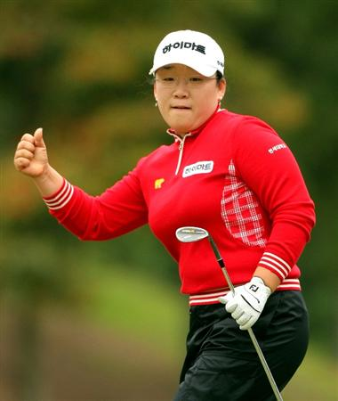 SHIMA, JAPAN - NOVEMBER 09: Ji-Yai Shin of South Korea reacts to a putt on the 7th green during the final round of 2008 Mizuno Classic at Kintetsu Kashikojima Country Club on November 9, 2008 in Shima, Mie, Japan. (Photo by Koichi Kamoshida/Getty Images)
