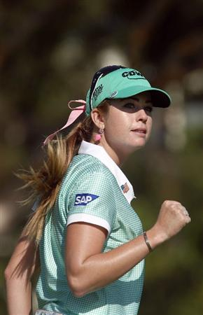 LA JOLLA, CA - SEPTEMBER 17:  Paula Creamer reacts to a birdie putt on the 15th hole during the first round of the LPGA Samsung World Championship on September 17, 2009 at Torrey Pines Golf Course in La Jolla, California.  (Photo By Donald Miralle/Getty Images)