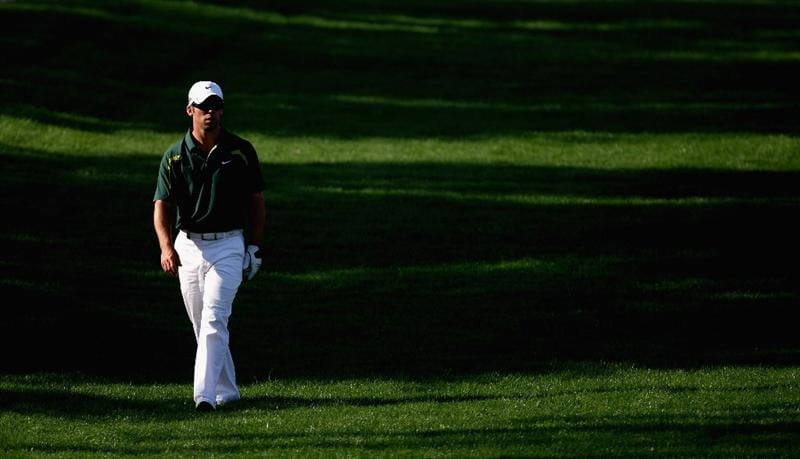 DUBAI, UNITED ARAB EMIRATES - JANUARY 31:  Paul Casey of England makes his way to the par five 3rd green during the of third round of the Dubai Desert Classic played on the Majlis Course on January 31, 2009 in Dubai,United Arab Emirates.  (Photo by Ross Kinnaird/Getty Images)