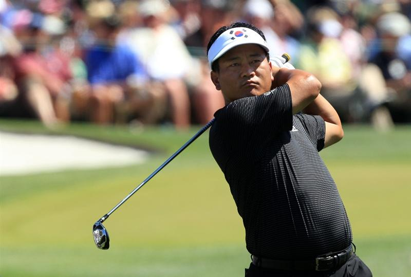 AUGUSTA, GA - APRIL 11:  K.J. Choi of South Africa hits his tee shot on the third hole during the final round of the 2010 Masters Tournament at Augusta National Golf Club on April 11, 2010 in Augusta, Georgia.  (Photo by David Cannon/Getty Images)