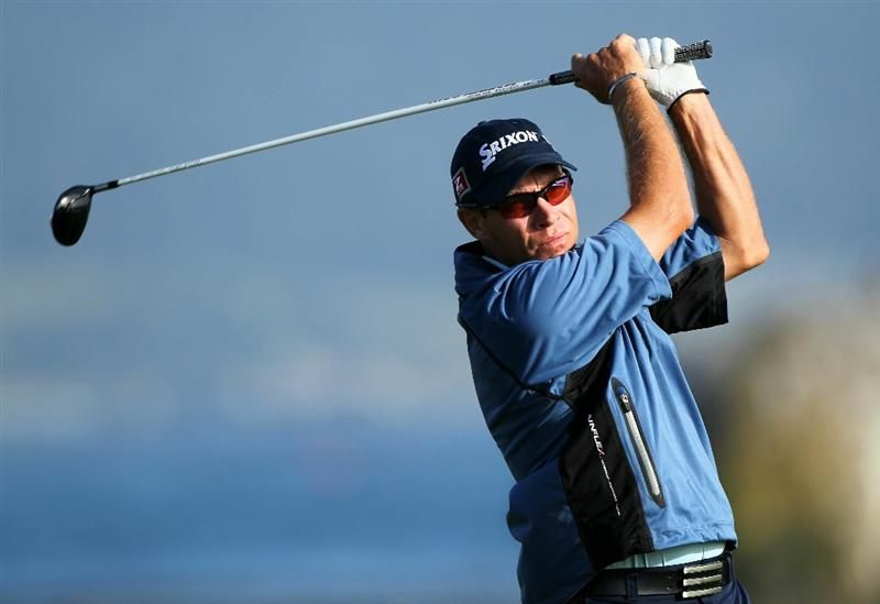 PEBBLE BEACH, CA - JUNE 17:  Brian Davis of England hits a tee shot on the 18th hole during the first round of the 110th U.S. Open at Pebble Beach Golf Links on June 17, 2010 in Pebble Beach, California.  (Photo by Donald Miralle/Getty Images)