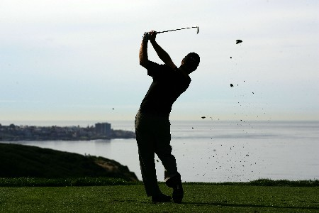 LA JOLLA, CA - JANUARY 26:  Kevin Streelman hits a tee shot on the third hole during the third round of the Buick Invitational at the Torrey Pines Golf Course January 26, 2008 in La Jolla, California.  (Photo by Harry How/Getty Images)