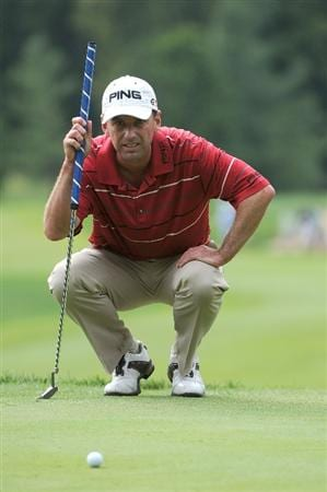 ST. LOUIS - SEPTEMBER 06:  Kevin Sutherland lines up a birdie putt on the 8th green  during the second round of the BMW Championship held at Bellerive Country Club on September 6, 2008 in St. Louis, Missouri. (Photo by Marc Feldman/Getty Images)