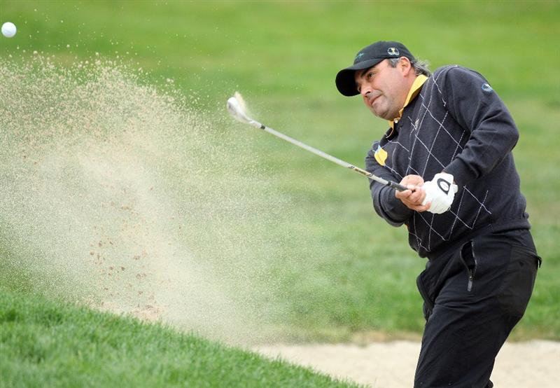 SAN FRANCISCO - OCTOBER 11: Angel Cabrera of Argentina and the International Team on the 1st hole during the Day Four Singles Matches in The Presidents Cup at Harding Park Golf Course on October 11, 2009 in San Francisco, California  (Photo by David Cannon/Getty Images)