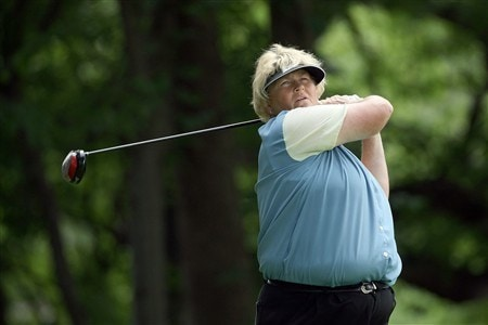 EDINA, MN - JUNE 25: Laura Davies of England tees off at the 15th hole during a practice round prior to the 2008 U.S. Women's Open at Interlachen Country Club on June 25, 2008 in Edina, Minnesota.  (Photo by David Cannon/Getty Images)