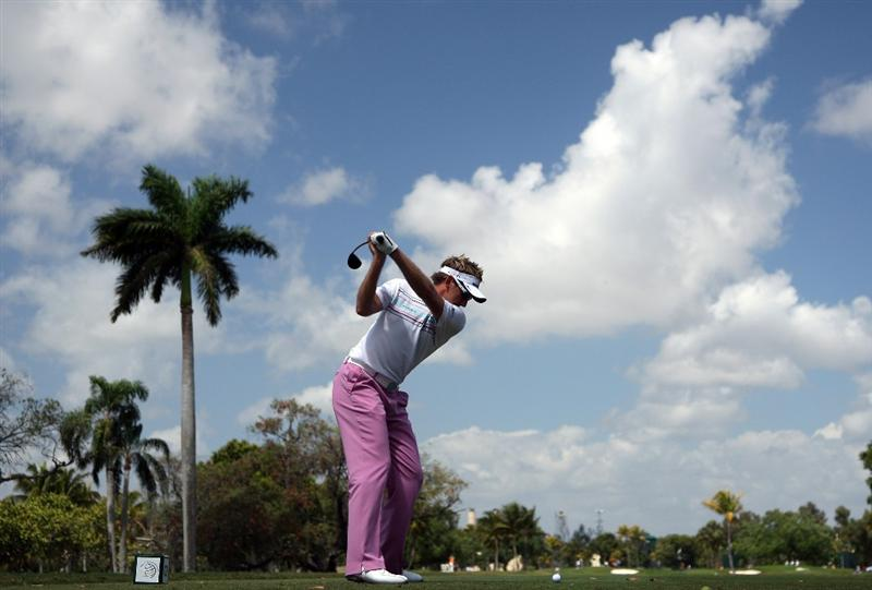 DORAL, FL - MARCH 14:  Ian Poulter of England drives at the second hole during the third round of the World Golf Championships-CA Championship at the Doral Golf Resort & Spa on March 14, 2009 in Doral, Florida  (Photo by David Cannon/Getty Images)