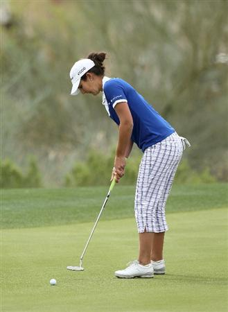 PHOENIX, AZ - MARCH 20:  Jennifer Johnson putts on the seventh hole during the final round of the RR Donnelley LPGA Founders Cup at Wildfire Golf Club on March 20, 2011 in Phoenix, Arizona.  (Photo by Stephen Dunn/Getty Images)