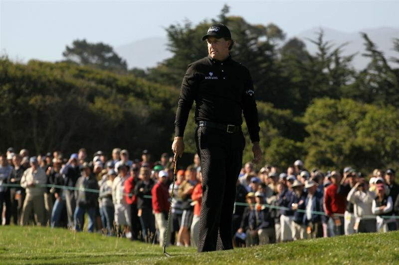 PEBBLE BEACH, CA - JUNE 17:  Phil Mickelson reacts to a missed putt on the 12th green during the first round of the 110th U.S. Open at Pebble Beach Golf Links on June 17, 2010 in Pebble Beach, California.  (Photo by Stephen Dunn/Getty Images)