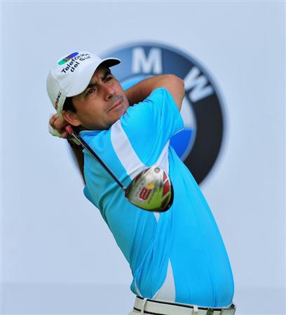 MUNICH, GERMANY - JUNE 27:  Felipe Aguilar of Chile plays his tee shot on the 14th hole during the third round of The BMW International Open Golf at The Munich North Eichenried Golf Club on June 27, 2009, in Munich, Germany.  (Photo by Stuart Franklin/Getty Images)