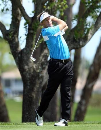 WEST PALM BEACH, FL - MARCH 23:  Stuart Appleby of Australia tees off at the 4th hole during the Els For Autism Pro-Am on the Champion Course at the PGA National Golf Club on March 23, 2009 in West Palm Beach, Florida  (Photo by David Cannon/Getty Images)