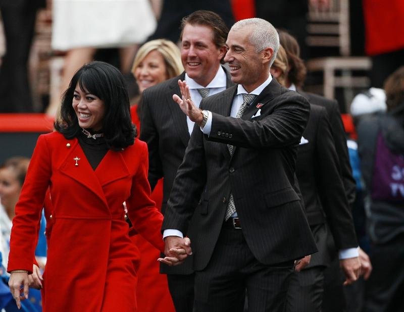 NEWPORT, WALES - SEPTEMBER 30:  USA Team Captain Corey Pavin waves with his wife Lisa during the Opening Ceremony prior to the 2010 Ryder Cup at the Celtic Manor Resort on September 30, 2010 in Newport, Wales.  (Photo by Andrew Redington/Getty Images)