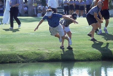 25 Mar 2001:  Annika Sorenstam dives into the water after winning the Nabisco Championship at Mission Hills Country Club in Rancho Mirage, California.Mandatory Credit: Stephen Dunn  /Allsport