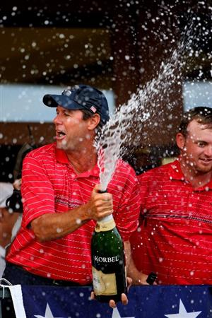 LOUISVILLE, KY - SEPTEMBER 21:  The USA team captain Paul Azinger (L) and J.B. Holmes celebrate the USA 16 1/2 - 11 1/2 victory on the final day of the 2008 Ryder Cup at Valhalla Golf Club on September 21, 2008 in Louisville, Kentucky.  (Photo by Andrew Redington/Getty Images)