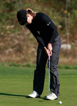 INCHEON, SOUTH KOREA - OCTOBER 30:  Vicky Hurst of United States on the 12th hole during the 2010 LPGA Hana Bank Championship at Sky 72 Golf Club on October 30, 2010 in Incheon, South Korea.  (Photo by Chung Sung-Jun/Getty Images)