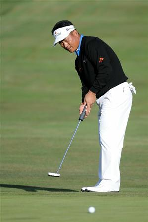 PEBBLE BEACH, CA - JUNE 19:  K.J. Choi of South Korea hits a putt during the third round of the 110th U.S. Open at Pebble Beach Golf Links on June 19, 2010 in Pebble Beach, California.  (Photo by Harry How/Getty Images)