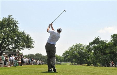 FORT WORTH , TX - MAY 23:  Johnson Wagner tees off the 17th hole  during the second round of the Crowne Plaza Invitational at Colonial Country Club on May 23, 2008 in Fort Worth, Texas.  (Photo by Marc Feldman/Getty Images)