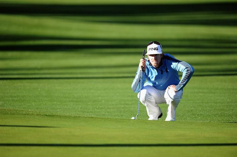 PACIFIC PALISADES, CA - FEBRUARY 17:  Hunter Mahan lines up a putt on the 11th hole during the first round of the Northern Trust Open at the Riviera Country Club on February 17, 2011 in Pacific Palisades, California.  (Photo by Harry How/Getty Images)