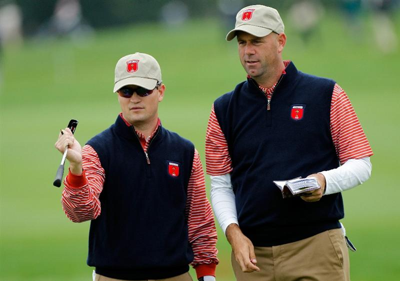 NEWPORT, WALES - SEPTEMBER 30:  Stewart Cink (R) of the USA chats with Zach Johnson during a practice round prior to the 2010 Ryder Cup at the Celtic Manor Resort on September 30, 2010 in Newport, Wales.  (Photo by Sam Greenwood/Getty Images)
