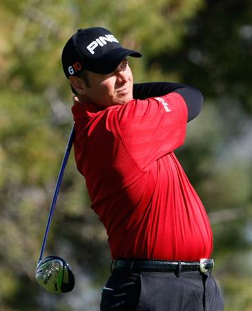 LA JOLLA, CA - FEBRUARY 08: Ted Purdy hits a tee shot on the fifth hole during the final round of the the Buick Invitational at the Torrey Pines Golf Course on February 8, 2009 in La Jolla, California. (Photo by Jeff Gross/Getty Images)