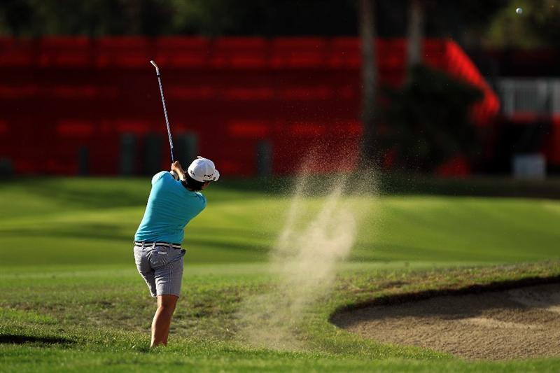 RANCHO MIRAGE, CA - APRIL 02:  Yani Tseng of Taiwan plays her third shot on the 18th hole during the third round of the 2011 Kraft Nabisco Championship on the Dinah Shore Championship Course at the Mission Hills Country Club on April 2, 2011 in Rancho Mirage, California.  (Photo by David Cannon/Getty Images)