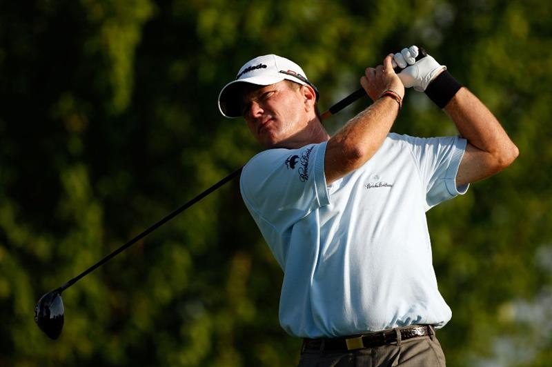 CHASKA, MN - AUGUST 13:  Scott Verplank hits his tee shot on the third hole during the first round of the 91st PGA Championship at Hazeltine National Golf Club on August 13, 2009 in Chaska, Minnesota.  (Photo by Streeter Lecka/Getty Images)