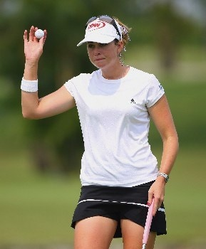 SINGAPORE - FEBRUARY 28:  Paula Creamer of USA acknowledges the crowd on the 18th hole during the first round of the HSBC Women's Champions at Tanah Merah Country Club on February 28, 2008 in Singapore.  (Photo by Andrew Redington/Getty Images)