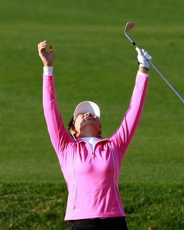 INCHEON, SOUTH KOREA - OCTOBER 30:  Amy Hung of Taiwan on the 18th hole during the 2010 LPGA Hana Bank Championship at Sky 72 Golf Club on October 30, 2010 in Incheon, South Korea.  (Photo by Chung Sung-Jun/Getty Images)