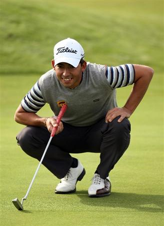 CARNOUSTIE, SCOTLAND - OCTOBER 01:  Pablo Larrazabal of Spain lines up his putt on the par three 13th hole during the first round of The Alfred Dunhill Links Championship at Carnoustie Golf Club on October 1, 2009 in Carnoustie, Scotland. (Photo by Ross Kinnaird/Getty Images