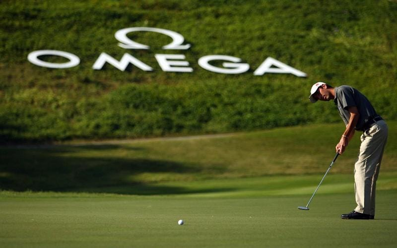 SHENZHEN, CHINA - NOVEMBER 27:  Tiago Cruz of Portugal in action during round one of the Omega Mission Hills World Cup at the Mission Hills Resort on 27 November 2008 in Shenzhen, China.  (Photo by Ian Walton/Getty Images)