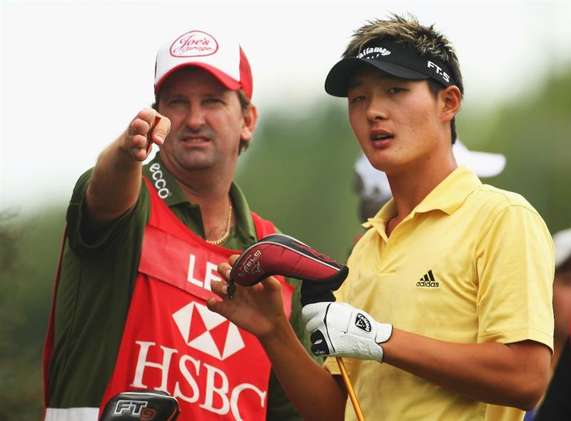 CHRISTCHURCH, NEW ZEALAND - MARCH 05:  Danny Lee of New Zealand (R) with his caddy Anthony Knight (L) before teeing off on the 1st hole during day two of the New Zealand PGA Championship held at the Clearwater Golf Club March 06, 2009 in Christchurch, New Zealand.  (Photo by Phil Walter/Getty Images)