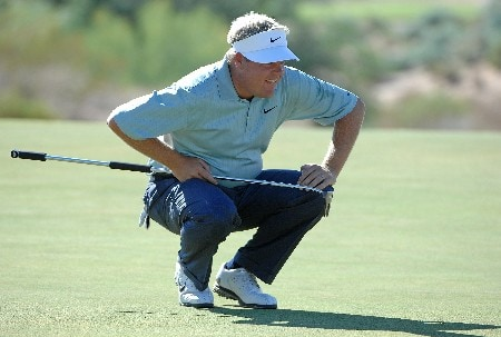 SCOTTSDALE, AZ - OCTOBER 20:  Carl Pettersson lines up a birdie putt  on the 11th hole during the third round of the Fry's Electronics Open on October 20, 2007 at the Grayhawk Golf Club in Scottsdale, Arizona  (Photo by Marc Feldman/Getty Images)