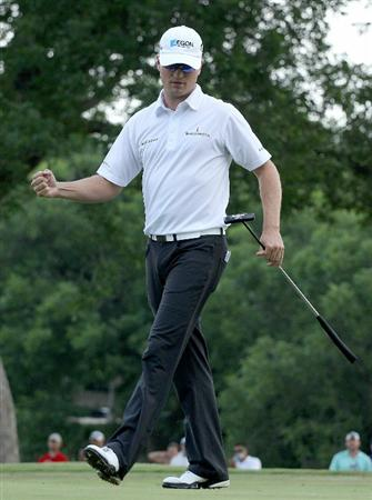 FT. WORTH, TX - MAY 30:   Zach Johnson celebrates his birdie putt on the 17th hole during the final round of the 2010 Crowne Plaza Invitational at the Colonial Country Club on May 30, 2010 in Ft. Worth, Texas.  (Photo by Scott Halleran/Getty Images)