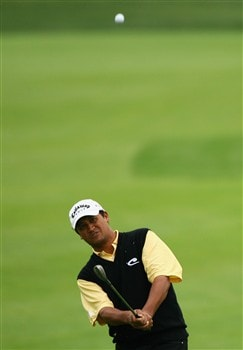 VIENNA, AUSTRIA - JUNE 06:  Michael Campbell of New Zealand chips onto the 10th green during continuation of the first round of the 2008 Bank Austria Golf Open after heavy rain stopped play, presented by Telekom Austria at Fontana Golf Club on June 6, 2008 in Vienna, Austria.  (Photo by Warren Little/Getty Images)