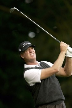 Steve Elkington watches his tee shot during the second round of the 2005 HSBC World Matchplay Championship at the Wentworth Golf Club's West Course . September 16, 2005Photo by Pete Fontaine/WireImage.com