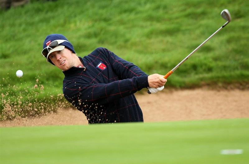 NEWPORT, WALES - SEPTEMBER 30:  Hunter Mahan of the USA hits from a bunker during a practice round prior to the 2010 Ryder Cup at the Celtic Manor Resort on September 30, 2010 in Newport, Wales.  (Photo by Andy Lyons/Getty Images)