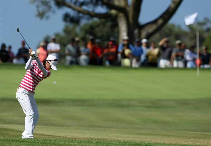 LA JOLLA, CA - SEPTEMBER 20: Na Yeon Choi of South Korea hits her approach shot on the 1st fairway during the final round of the LPGA Samsung World Championship on September 20, 2009 at Torrey Pines Golf Course in La Jolla, California.  (Photo By Donald Miralle/Getty Images)