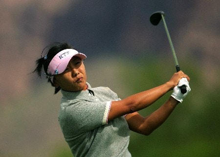 SUPERSTITION MOUNTAIN, ARIZONA - MARCH 22:  Mi Hyun Kim of South Korea hits her tee shot on the 17th hole during the first round of the Safeway International at the Superstition Mountain Golf and Country Club on March 22, 2007 in Superstition Mountain, Arizona.  (Photo by Scott Halleran/Getty Images)