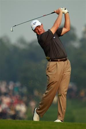 SHANGHAI, CHINA - NOVEMBER 07:  Ernie Els of South Africa watches his approach shot on the 16th hole during the final round of the WGC-HSBC Champions at the Sheshan Golf Club on November 7, 2010 in Shanghai, China.  (Photo by Scott Halleran/Getty Images)