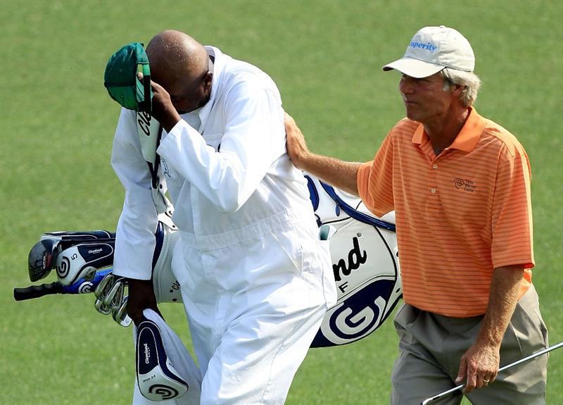 AUGUSTA, GA - APRIL 08:  Ben Crenshaw (R) walks with his caddie Carl Jackson to the 18th green during the second round of the 2011 Masters Tournament at Augusta National Golf Club on April 8, 2011 in Augusta, Georgia.  (Photo by David Cannon/Getty Images)