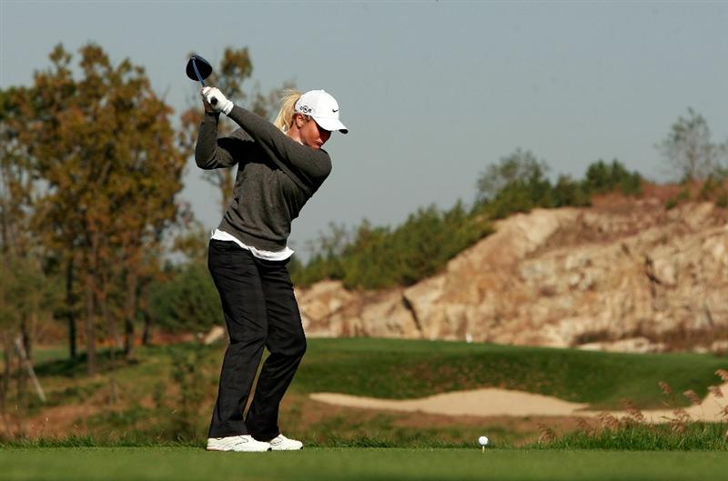 INCHEON, SOUTH KOREA - OCTOBER 29:  Suzann Pettersen of Norway hits a tee shot on the second hole during the 2010 LPGA Hana Bank Championship at Sky 72 golf club on October 29, 2010 in Incheon, South Korea.  (Photo by Chung Sung-Jun/Getty Images)