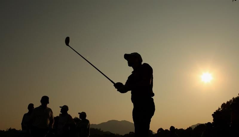 HONG KONG, CHINA - NOVEMBER 20:  Oliver Wilson of England plays his tee shot on the 18th hole during the first round of the UBS Hong Kong Open at the Hong Kong Golf Club on November 20, 2008 in Fanling, Hong Kong.  (Photo by Stuart Franklin/Getty Images)