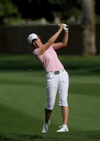RANCHO MIRAGE, CA - APRIL 02:  Catriona Matthew of Scotland hits her second shot on the 15th hole during the second round of the Kraft Nabisco Championship at Mission Hills Country Club on April 2, 2010 in Rancho Mirage, California.  (Photo by Stephen Dunn/Getty Images)