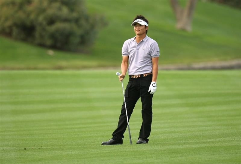 LA QUINTA, CA - JANUARY 22:  Ryuji Imada of Japan watches his second shot on the seventh hole on the Palmer Private Course at PGA West during the second round of the Bob Hope Chrysler Classic on January 22, 2009 in La Quinta, California.  (Photo by Stephen Dunn/Getty Images)