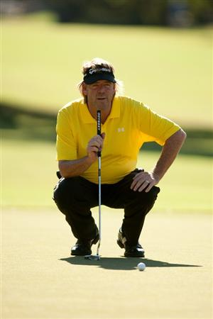 SAN ANTONIO, TX - OCTOBER 30: Steve Lowery lines up a putt during the second round of the AT&T Championship at Oak Hills Country Club on October 30, 2010 in San Antonio, Texas. (Photo by Darren Carroll/Getty Images)