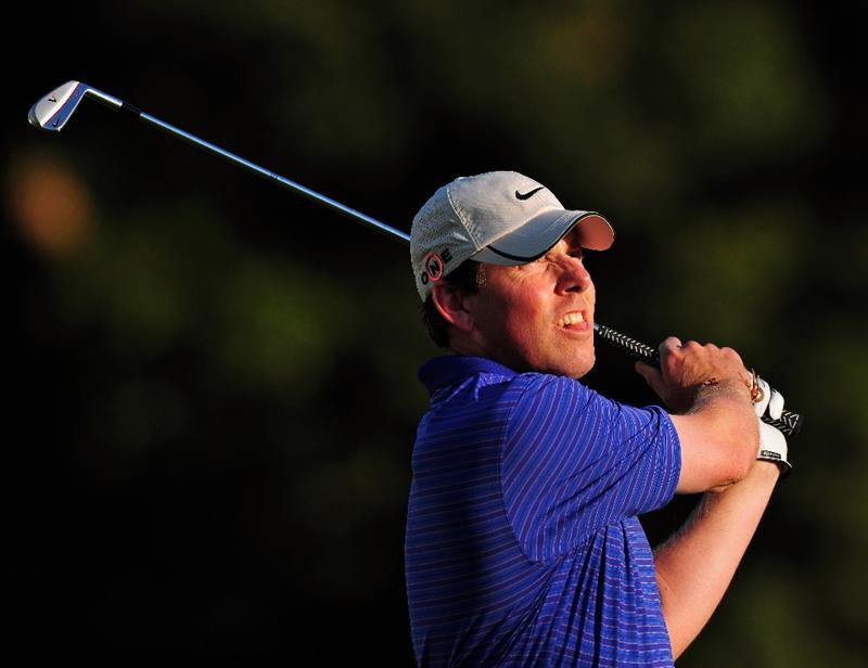 PACIFIC PALISADES, CA - FEBRUARY 19: Justin Leonard of USA plays his tee shot on the 16th hole during the first round of the Northern Trust Open at the Riviera Country Club February 19, 2009 in Pacific Palisades, California.  (Photo by Stuart Franklin/Getty Images)