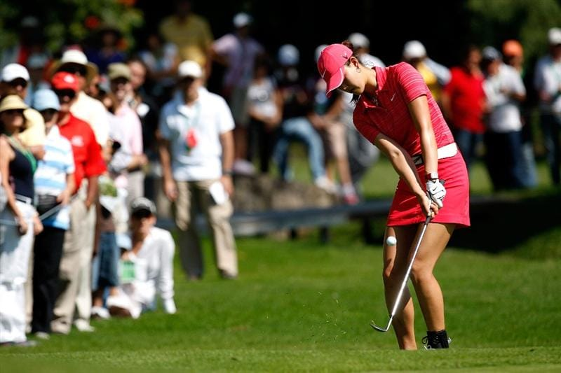 GUADALAJARA, MEXICO - NOVEMBER 15:  Michelle Wie of the United States chips onto the fourth green during the final round of the Lorena Ochoa Invitational Presented by Banamex and Corona at Guadalajara Country Club on November 15, 2009 in Guadalajara, Mexico.  (Photo by Kevin C. Cox/Getty Images)